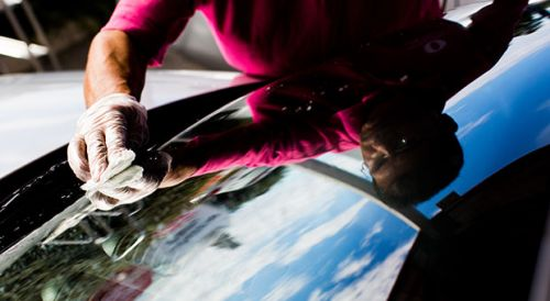 How to clean your windscreen (and why you should do it) news item
